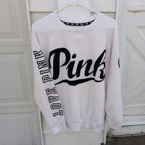 VS PINK sweatshirt adorable!